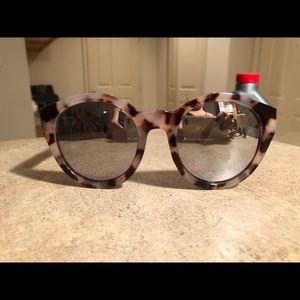 Light Tortoise Round Mirrored Lens Sunglasses